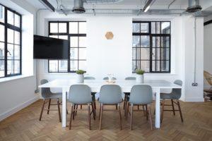 Praktický kancelářský nábytek